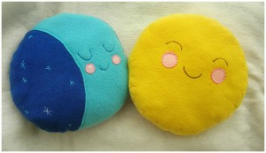 fot: Sun and Moon Plushie by elbooga